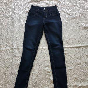 🔴 3 for $15 Ymi Skinny Jeans